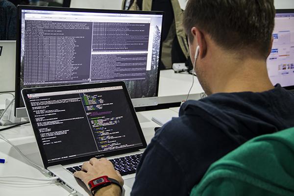برنامه نویس کامپیوتر